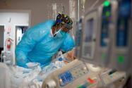 Quedan menos de 20 camas de ICU en distintas regiones de Illinois