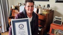 Por organizar un 'besatón', Carlos Vives gana su primer récord Guinness