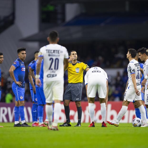 Se reanuda el partido entre Cruz Azul y Monterrey