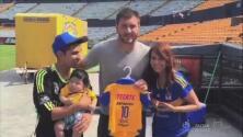 Familia nombró a su hijo como el goleador de Tigres, y Gignac conoció a su 'tocayito'