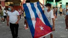 Periodista cubana cuenta su experiencia siendo arrestada por reportar sobre las protestas