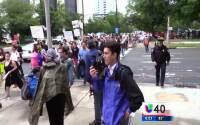 Cientos de persona marchan en Charlotte con motivo del Primero de mayo