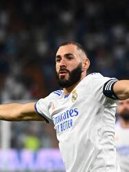 Real Madrid supera por mucho al Celta de Vigo tras goleada de 5-2, durante la cuarta fecha de La Liga. Karim Benzema está intratable, pues hizo tres anotaciones, una de ellas fue penal, Vinicius Jr (54') y Camavinga (72') sumaron goles para la victoria merengue. Santi Mina y Franco Cervi anotaron para los visitantes.