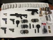 ATF y policías de San Francisco arrestan a pandilleros armados en Oakland