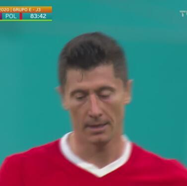 Lewandowski vuelve a marcar y Polonia empata ante Suecia