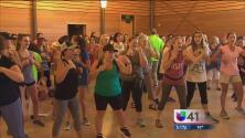 Autoridades de San Antonio realizan taller de defensa personal para reaccionar ante incidentes violentos