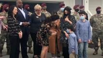 Entregan las llaves de su nueva casa a la familia de un soldado hispano fallecido en Afganistán