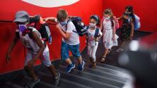 """""""Una decisión justa"""": juez bloquea orden del gobernador de Florida de prohibir el uso obligatorio de máscaras en escuelas"""