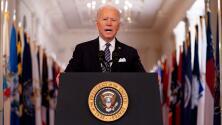 """""""Después de un año oscuro, hay luz y esperanza"""": Biden promete que el 1 de mayo todos los adultos podrán solicitar la vacuna"""