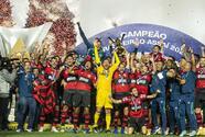 ¡Flamengo es bicampeón y empata en títulos al Santos!