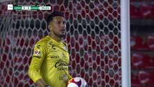 ¡TIRO ATAJADO! disparo por Jeronimo Rodríguez.