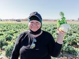 La motivadora historia de la primera inmigrante que es dueña de un campo de cultivo en EEUU