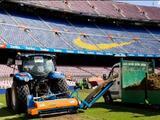 El Barcelona renueva el césped del Camp Nou para la próxima temporada