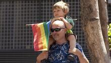 Illinois expande la definición de la palabra 'familia' y añade a las personas LGBTQ+ en esta