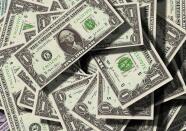 Recibe hasta 500 dólares mensuales como parte del programa del ingreso universal