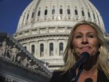 """Twitter suspende """"por error"""" la cuenta de Taylor Greene, mientras un demócrata busca expulsarla del Congreso"""