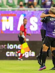 Mazatlán aprovecha los errores de los Bravos y vencen 3-1 al conjunto fronterizo.