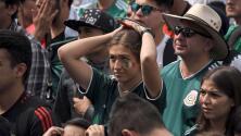 La frustración y tristeza de la hinchada mexicana ante la derrota del Tri en los octavos de final