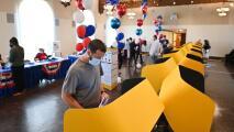 """""""Fue un triunfo para la democracia"""": León Krauze sobre la jornada de elección revocatoria de Newsom"""