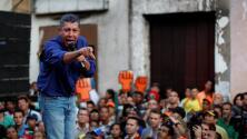 Dolarización contra la inflación: la promesa de campaña del rival de Maduro