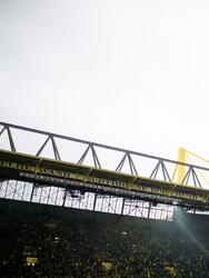 DORTMUND, GERMANY - JANUARY 26: xxx of Dortmund battles for the ball with xxx of Hannover during the Bundesliga match between Borussia Dortmund and Hannover 96 at the Signal Iduna Park on January 26, 2019 in Dortmund, Germany. (Photo by Jörg Schüler/Getty Images)