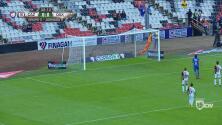Gory se viste de héroe con tremendo vuelo que evita el gol de Cruz Azul