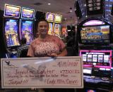 Mujer gana miles de dólares en máquina tragamonedas en casino del Valle Central