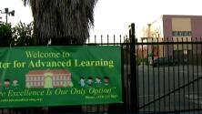 Padres de familia dicen que desaparecieron 500,000 dólares en donaciones para escuela de Los Ángeles