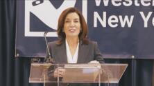Ella es Kathy Hochul, la vicegobernadora de Nueva York que reemplazará a Andrew Cuomo