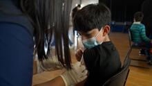¿Tienes hijos entre 5 y 11 años? Esto es lo que debes saber sobre la vacuna de Pfizer contra el covid-19
