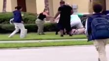 Arrestan a una familia por golpear a un estudiante en Florida y a su bisabuela por tratar de ayudarlo