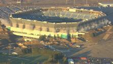 Mira el intento fallido de derrumbar un estadio en Michigan