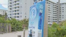 Instalan máquinas dispensadoras de protector solar para los bañistas en Miami Beach