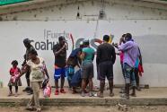 A bordo de autobuses y aviones, México realiza deportaciones de migrantes haitianos varados en la frontera con EEUU