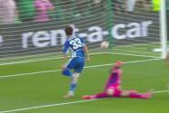 ¡Ya reaccionó el Betis! Miranda recorta la distancia 1-2 sobre Celtic
