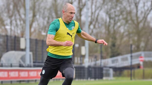 ¡Alista su regreso! Robben vuelve a entrenar con el Groningen