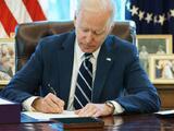 Cumplidos 100 días en el poder, Biden cambia la estrategia legislativa para avanzar su agenda
