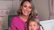 Junto a su pequeña Chloé, Carolina Sarassa revela el nombre de su bebé varón que nacerá pronto
