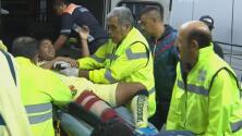 Gio dos Santos sale en ambulancia del Estadio Azteca