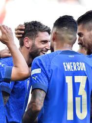 Italia se queda con el tercer lugar de la UEFA Nations League tras vencer 2-1 a Bélgica. Con anotacion de Barella y un penalti cobrado de Berardi, la 'Azzurra' se lleva la victoria. El único tanto por parte de los 'red devils' fue de Charles De Ketelaere ya al final del encuentro.