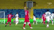 ¡TIRO ATAJADO! disparo por Artem Bykov.