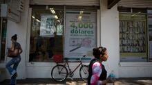 Gobierno mexicano presume del récord de remesas desde EEUU, pero las cifras levantan sospechas