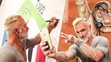 Le pedimos una foto y se quitó la camisa: Gianluca Vacchi aterriza en Premios Juventud