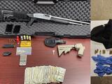 Arrestan a joven hispano por presunto delito de armas, y posesión y venta de drogas