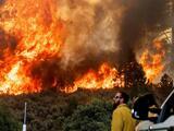 Varios incendios castigan el oeste del país y fuerzan evacuaciones en medio de la ola de calor