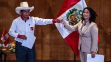 Peruanos siguen a la espera de los resultados de la segunda vuelta de las elecciones presidenciales