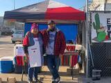 Madre hispana y su hijo crean restaurante con sabor texano y mexicano tras perder su trabajo