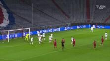 ¡TIRO ATAJADO! disparo por Niklas Süle.