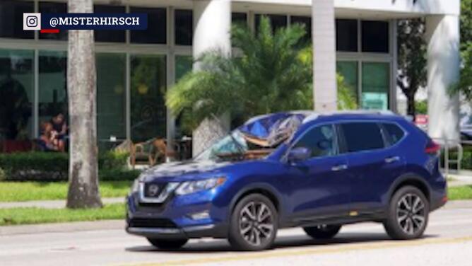 Tapa de alcantarilla se habría incrustado contra el parabrisas de un carro en Miami-Dade