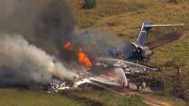 Un avión con 21 pasajeros choca y se incendia en Texas, asombrosamente solo hay un herido
